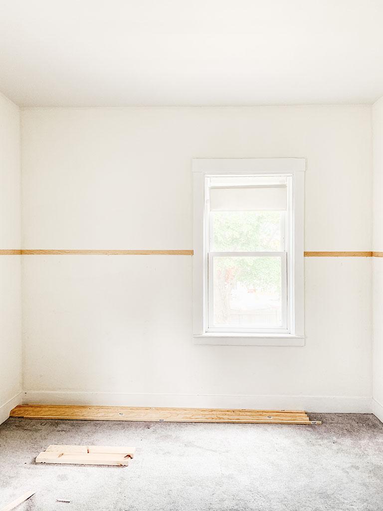 Horizontal board-Pine molding