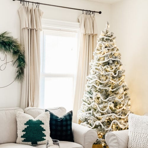 10 of the Best Flocked Christmas Trees